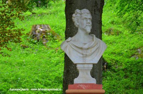Garmisch-Partenkirchen, monumento a Re Ludwig II ed effige