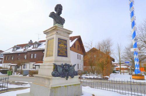 Zorneding, monumento a Re Ludwig II