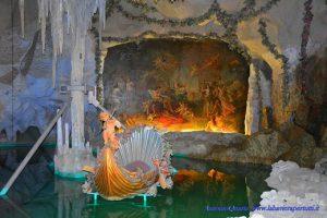 """Castello di Linderhof: Venus Grotte (nel dipinto una scena tratta dal """"Tannahäuser"""")"""