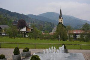 Schliersee, sullo sfondo il campanile della chiesa di San Sisto