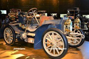 Mercedes Benz Museum, Mercedes Simplex 40 PS (1902): una delle prime auto con il nome Mercedes