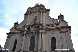 Monaco, Heilig Geist Kirche (facciata)