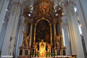 Heilig Geist Kirche, Altare Maggiore