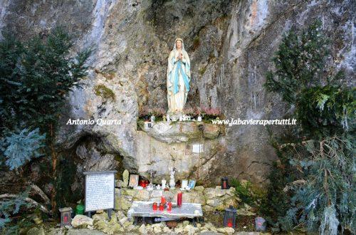 """La """"Lourdesgrotten"""" di Oberammergau"""