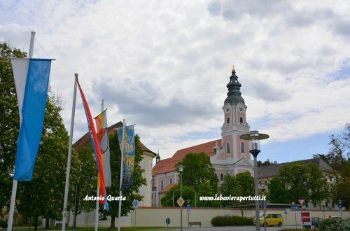 La Kath. Pfarrkirche Mariä Himmelfahrt di Aldersbach